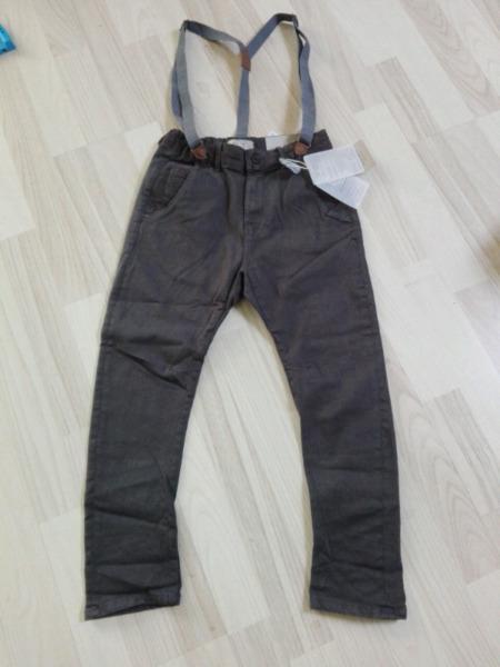 Nowe spodnie Zara r.122