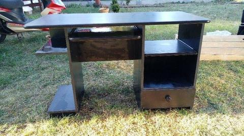 Czarne biurko za darmo