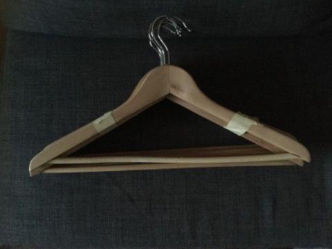 Sprzedam wieszaki drewniane ikea