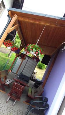 Altanki wiaty pergole tarasy domy z drewna domki letniskowe garaże samochodowe drewutnie