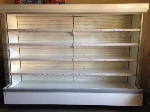 Regał chłodniczy sklepowy nabiałowy z agregatem zewnętrznym