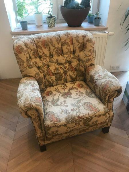 Dwa stare fotele - antyki