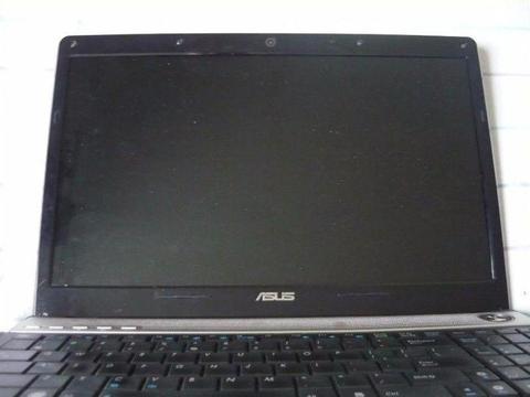 Sprzedam bardzo ładny nowoczesny laptop Asus N61 16cali do naprawy lub na części, tanio
