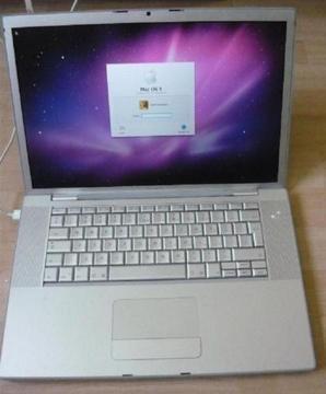 W pełni sprawny działający idealny MacBook pro 15 cali procesor intel, ładowarka, tanio za 999zł