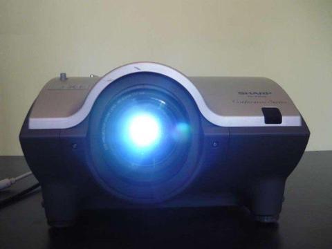 Biznesowy konferencyjny multimedialny projektor SHARP XG-P20XE, sprawny 100%, okazja, tanio