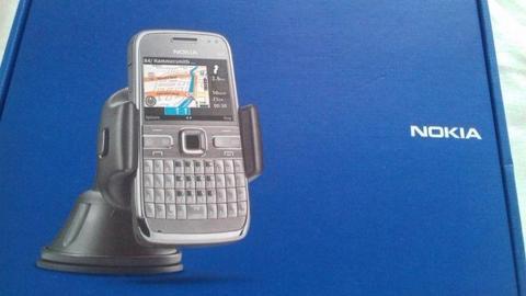 uchwyt CR-115 od telefonu Nokia E72+słuchawki WH-205