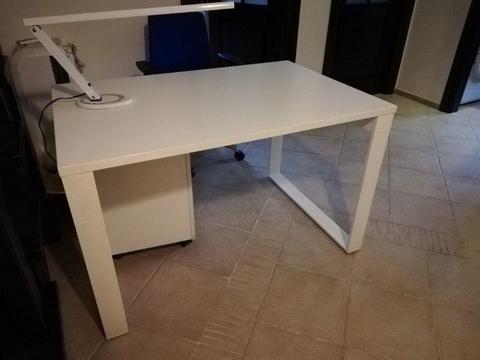 Sprzedam biurko białe 120/80/74