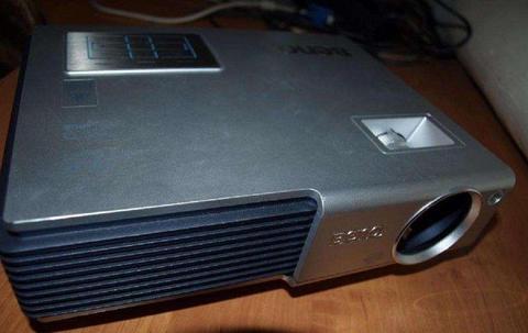 Projektor BenQ CP220C multimedialny sprawny w 100%, bardzo dobry stan, swietny, super obraz