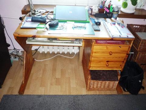 Oddam biurko z drzewa