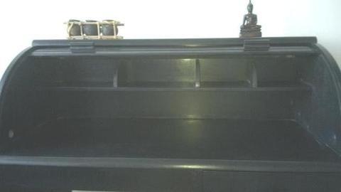 Drewniane czarne biurko z nadstawką