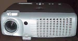 Sprzedam 100% sprawny świetny nowoczesny markowy projektor DELL 4100MP VGA, filmy, kino, prezentacje