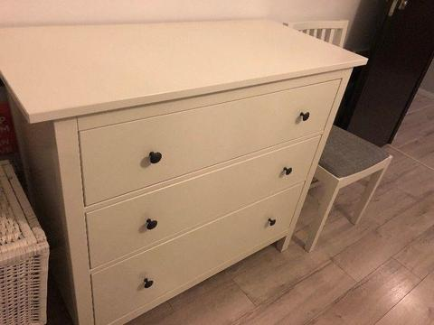 Sprzedam komodę Hemnes IKEA