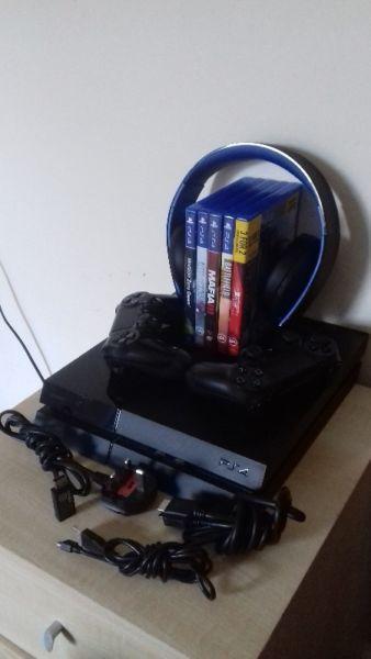 Playstation 4 500GB 5 gier 2 pady sluchawki
