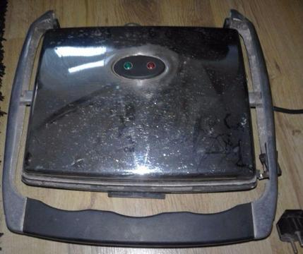 Grill/opiekacz elektryczny CLATRONIC KG 2960