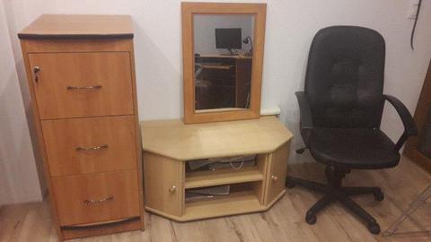 ZESTAW MEBLI - szafa na dokumen, lustro, szafka pod TV, krzesło obrotowe, biurko (zestaw lub osobno)