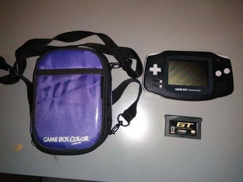Gameboy Advance + Etui + Gra