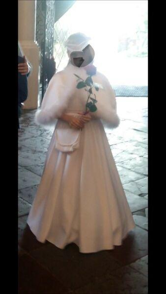 Włoska satyna 140 cm , Sukienka komunijna