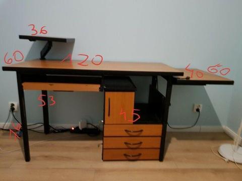 Oddam za darmo biurko pod komputer