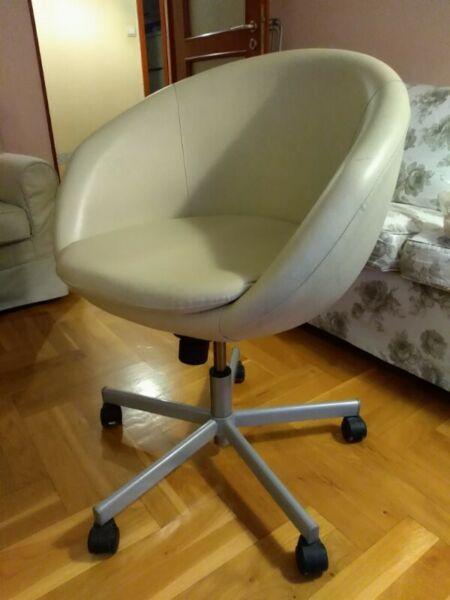 Sprzedam obrotowy fotel z Ikei Warszawa Bielany