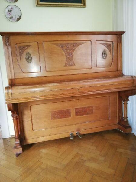 Zabytkowe pianino firmy Quandt (Berlin)
